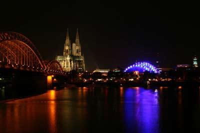 Koeln Cologne Köln bei Nacht